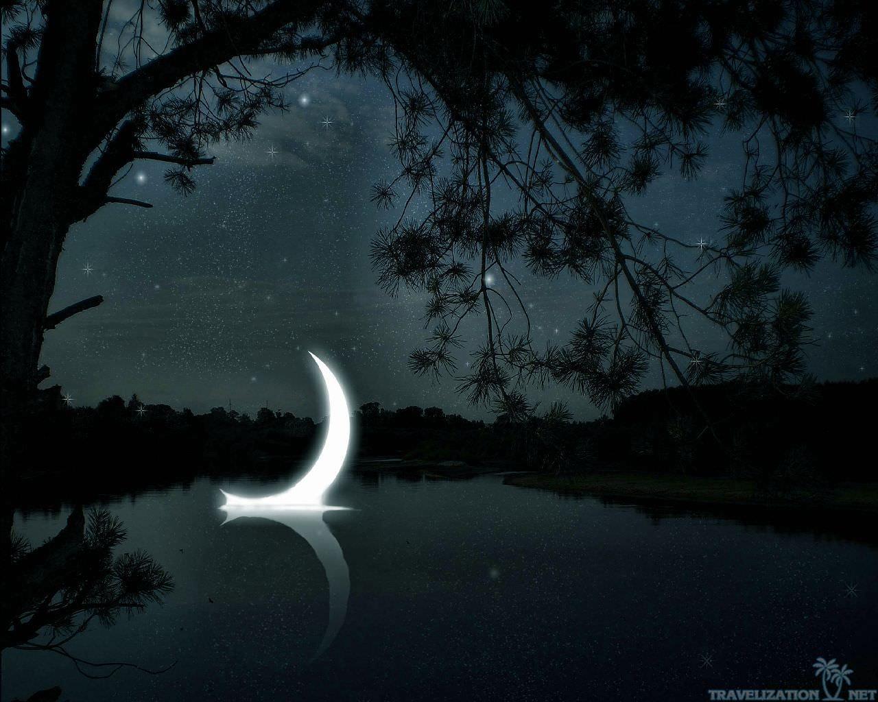 20 Best Moon Desktop Wallpapers Freecreatives