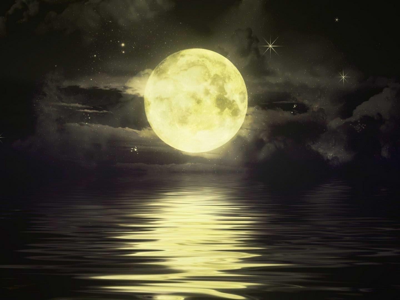 20 Best Moon Desktop Wallpapers