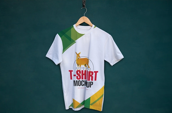 Hanging-t-shirt-mockup