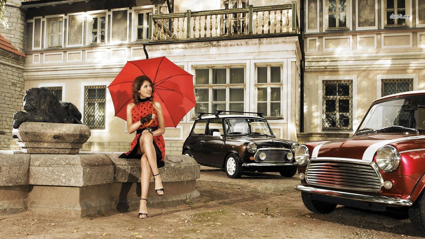 22622-retro-girl-with-vintage-mini-coopers-1366x768-car-wallpaper