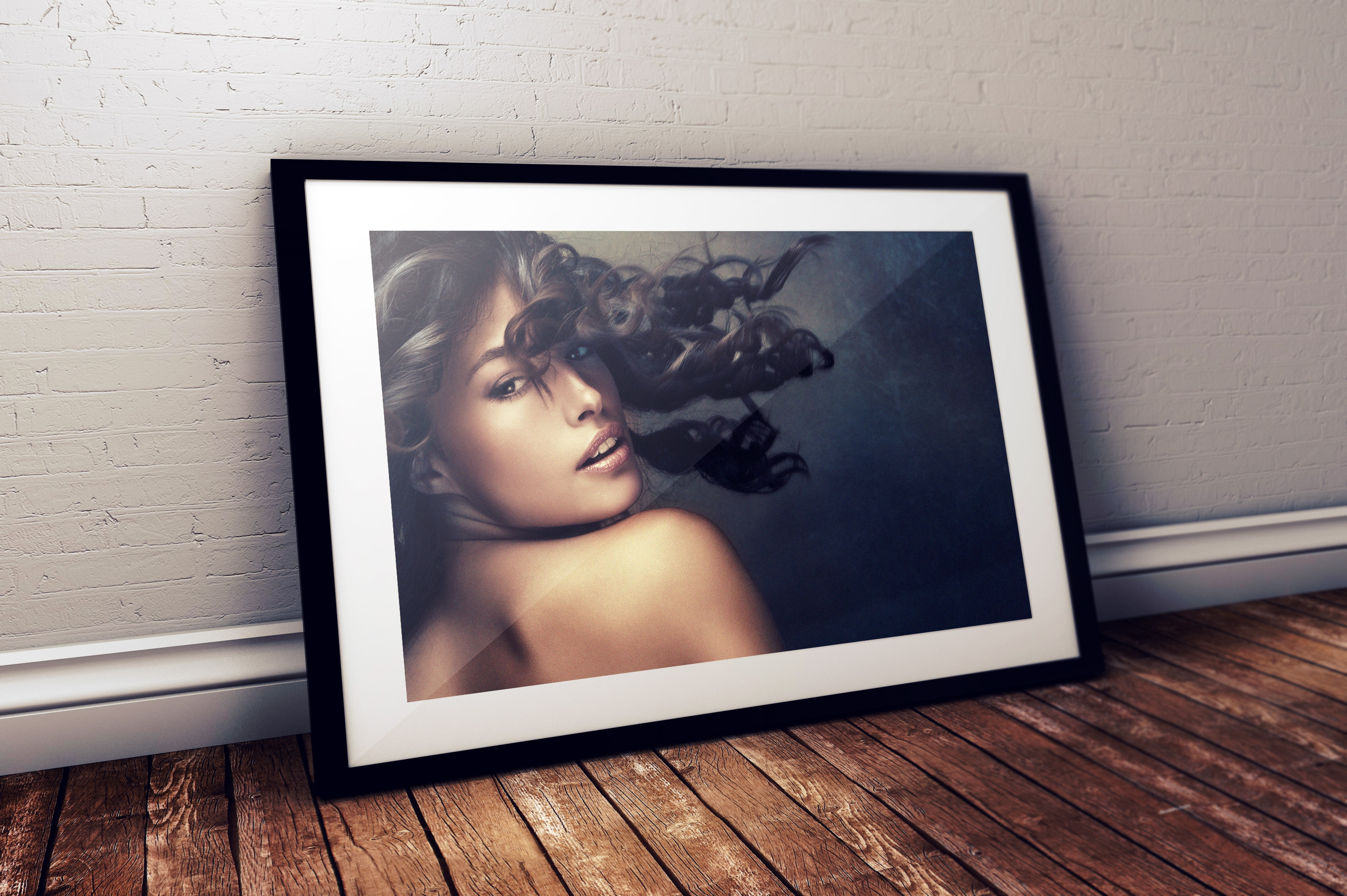 Photo-Frame-Mockup-Black