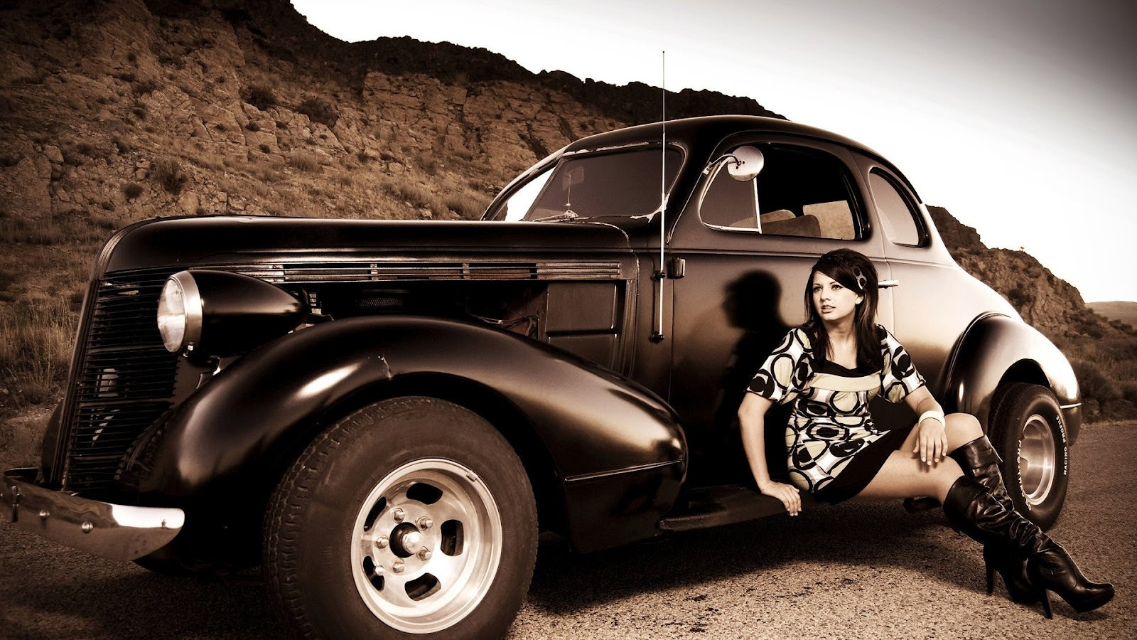 antique-vintage-car-and-girl-old-looking-photo-hd