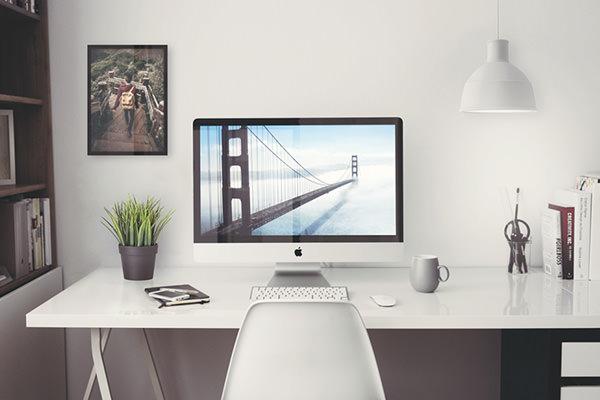 Free-iMac-5K-Retina-27-inches-PSD-Mockup
