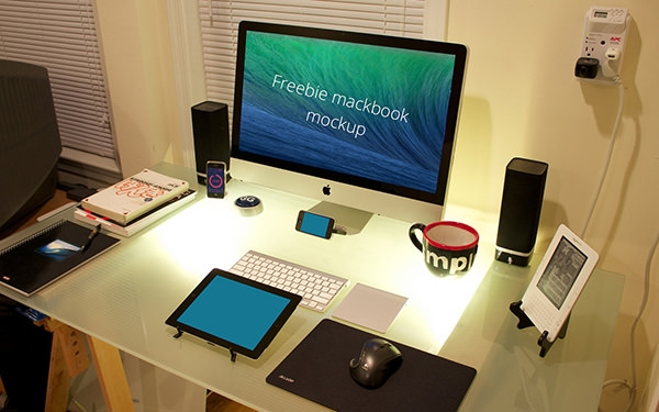 free-imac-workspacemockup
