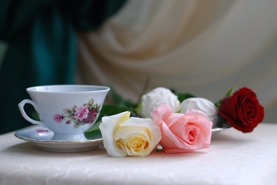 Roses and tea wallpaper