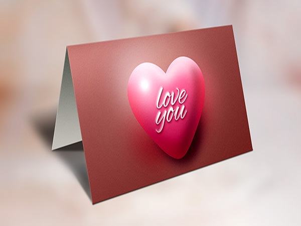 beautiful-greeting-card-mockup-psd