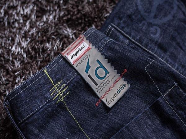 cloth-label-mockup