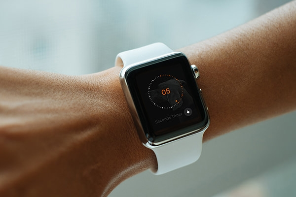 free-apple-watch-mockups