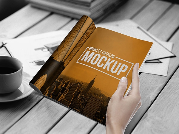 photorealistic-Booklet_Mockup