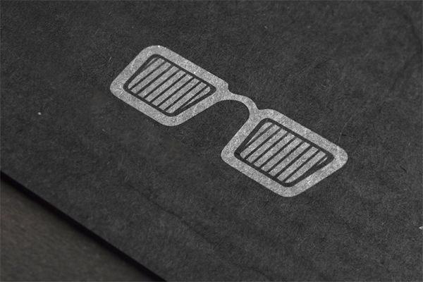 Black-cardboard-logo-mockup