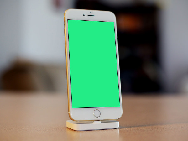 Photorealistic iPhone 6s Mockup PSD