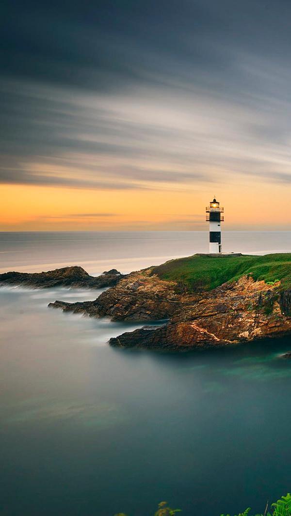 Beautiful Lighthouse Sunset iPhone 5 Background
