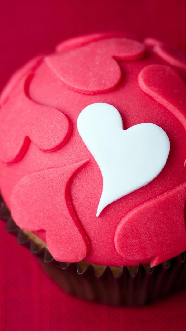 Free Girly Cupcake iPhone Background