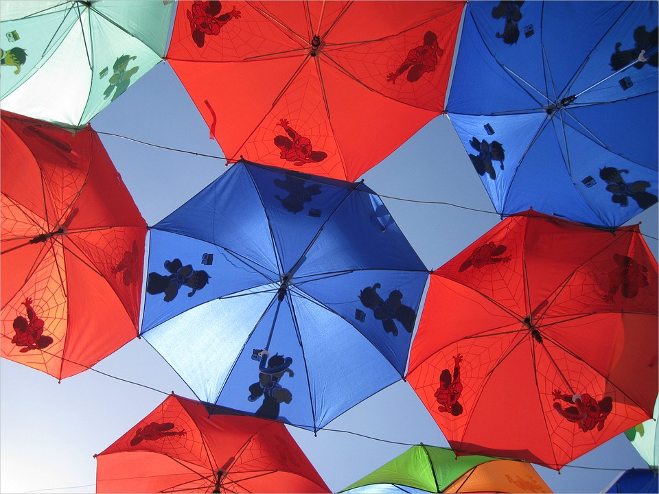 Awesome Blue & Red Umbrella Background