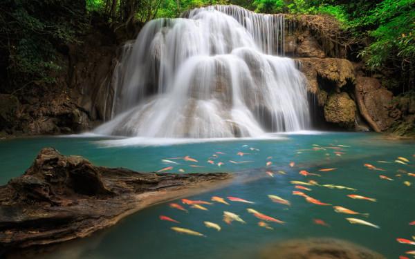 Outstanding Waterfall Wallpaper