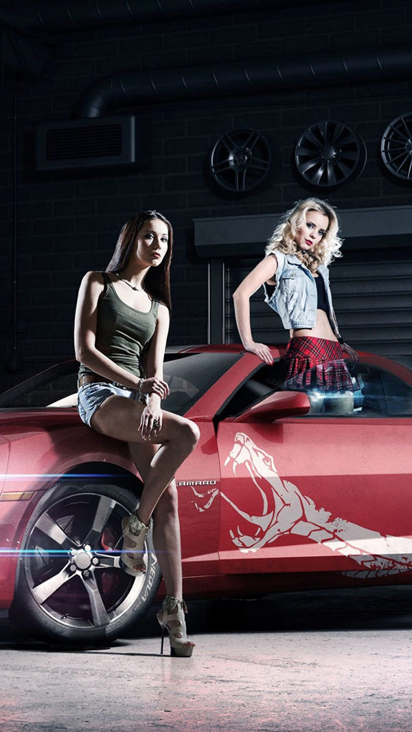 Pretty Girls With Car iPhone 5s Background