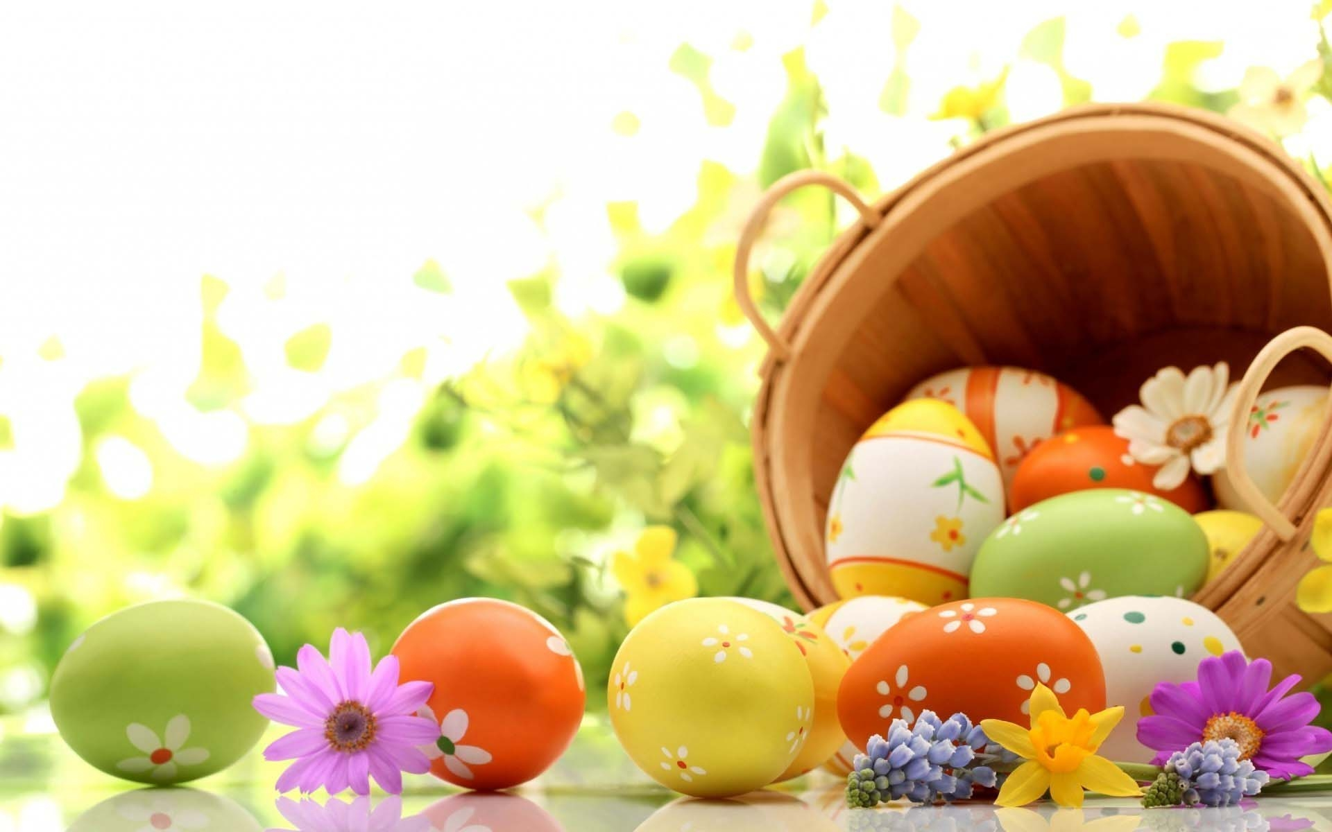 Easter Eggs Holiday Wallpaper