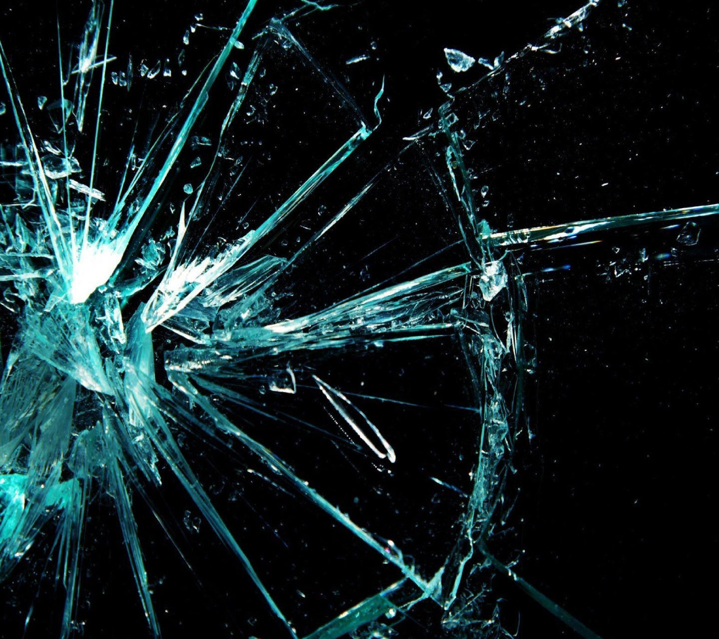 Amazing Cracked Screen Wallpaper