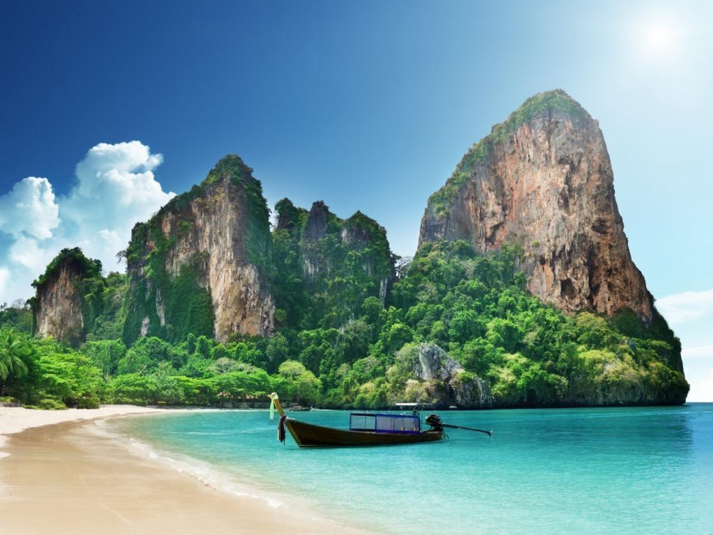 Amazing High Quality Beach Background
