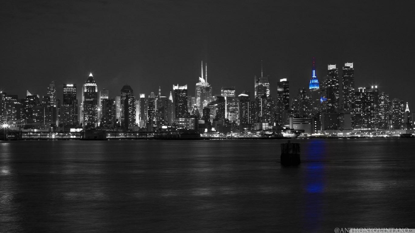 Black & White New York City Wallpaper