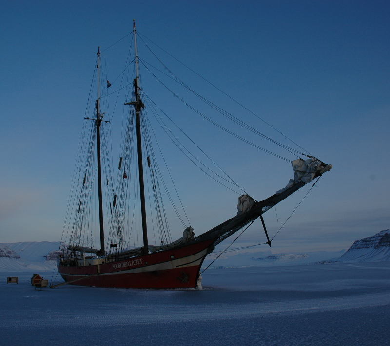 Boat In The Ice Wallpaper