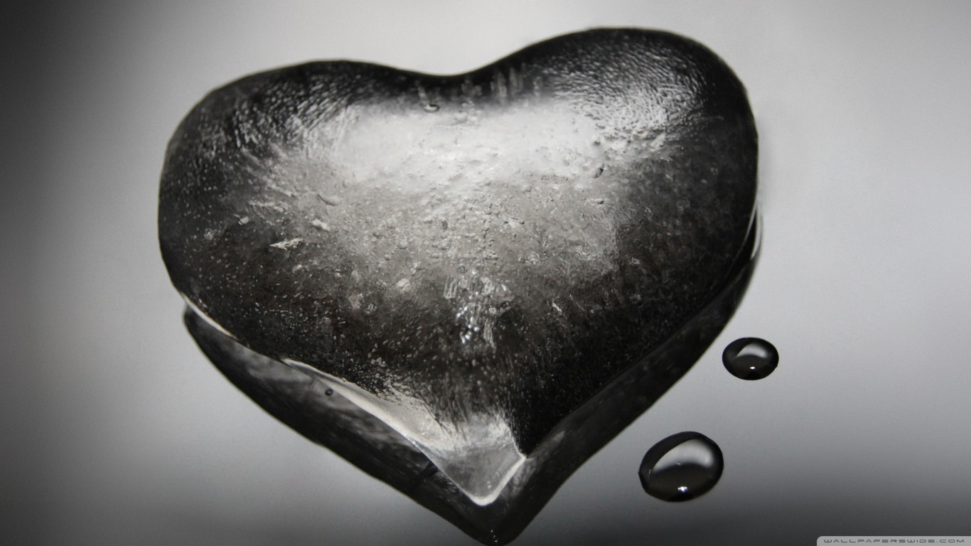 Download Ice Heart Wallpaper