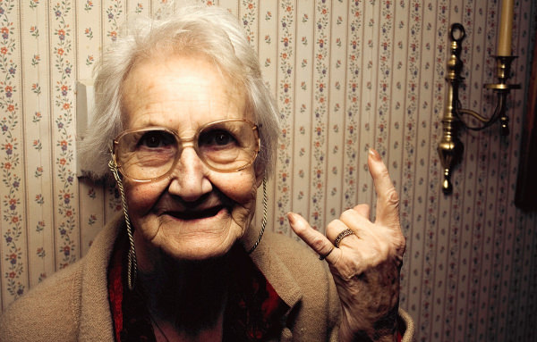 Funny Wallpapers of Old Women