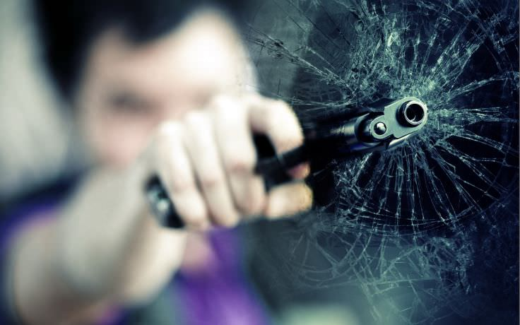 Gun Cracked Screen Wallpaper