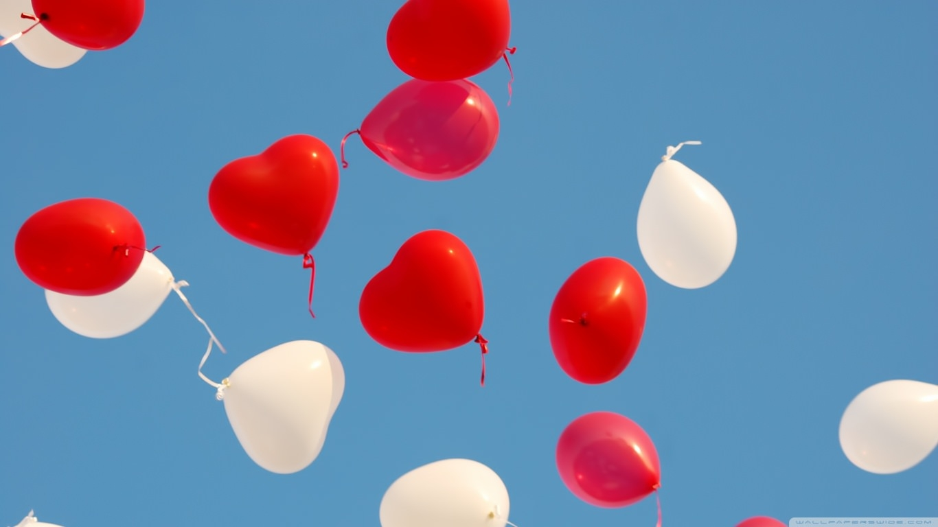 Heart Balloons Flying in Sky Wallpaper