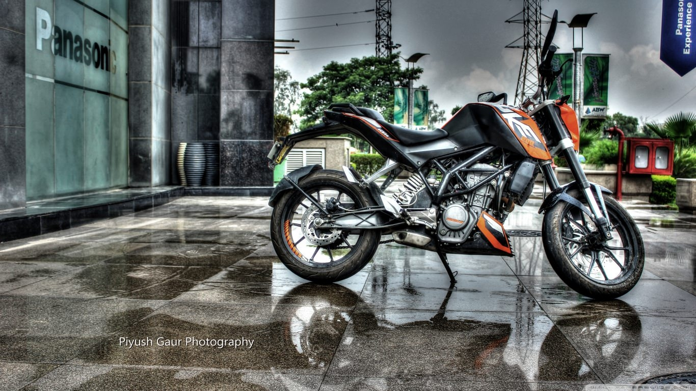 KTM DUKE 200 Motorcycle Wallpaper