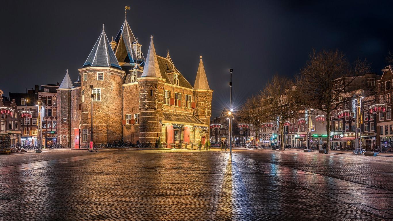 Night Lights in Amsterdam Wallpaper