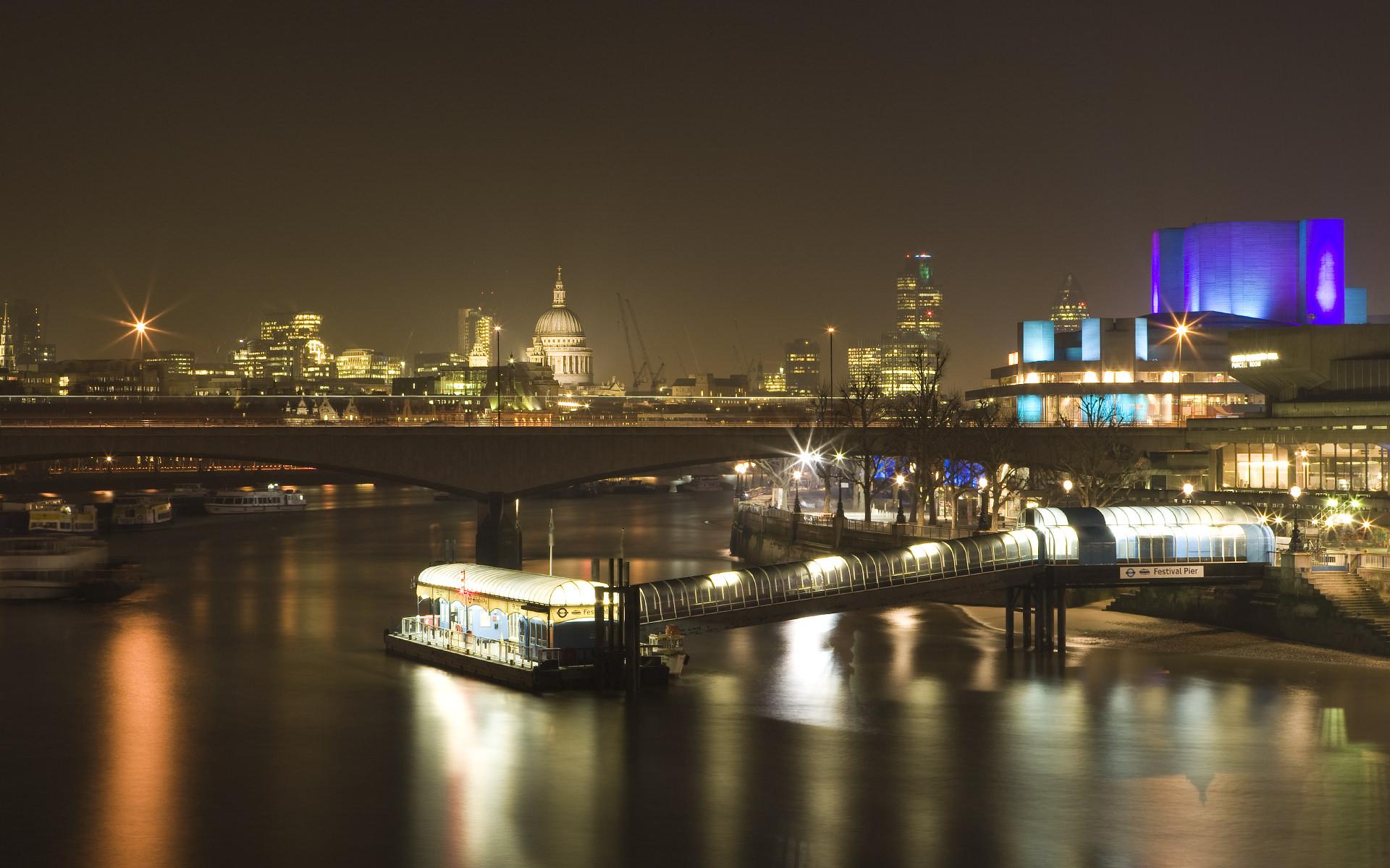 Night lights River Bridge Wallpaper