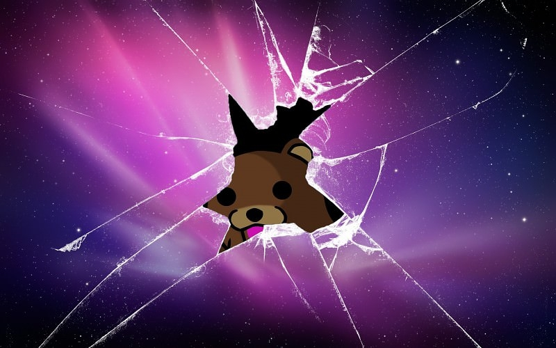 Pedobear Through Cracked Screen Wallpaper