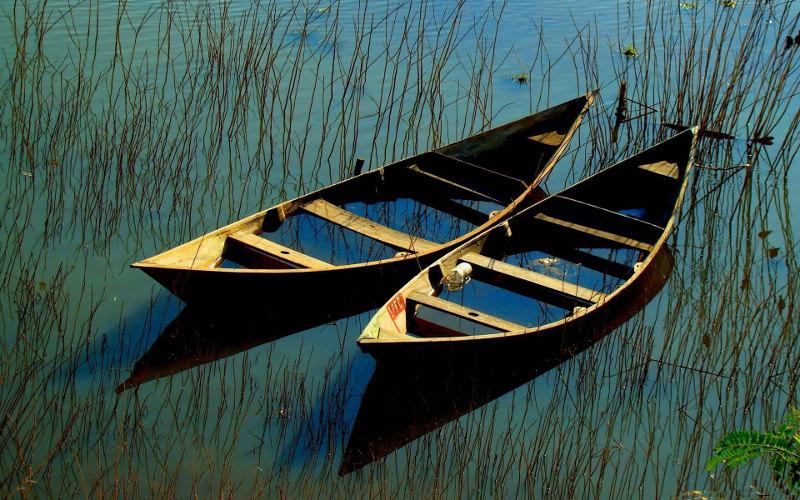 Simple Boat Wallpaper