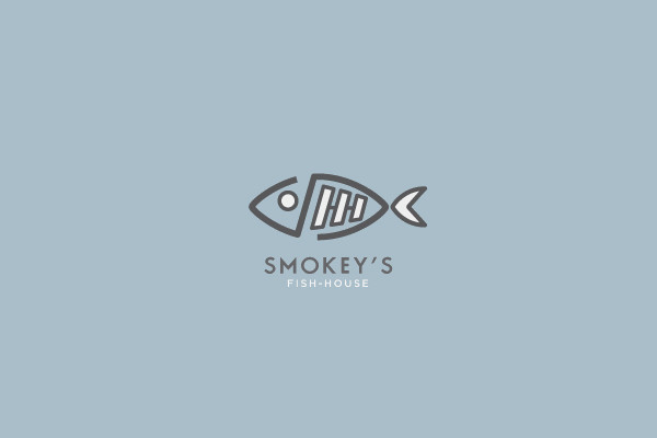 Smokey's Fish House Logo