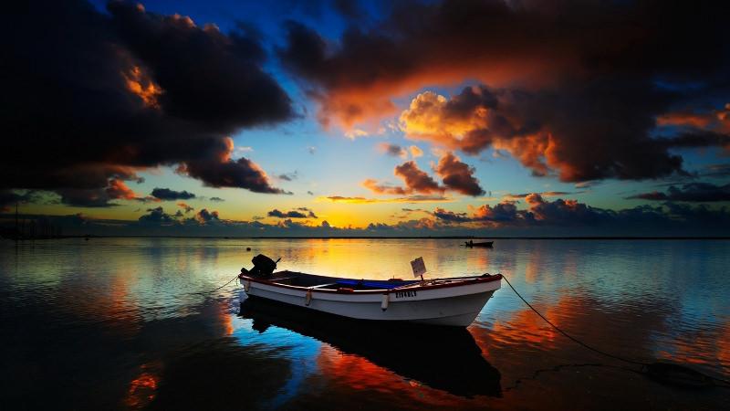 Sunset Boat Wallpaper