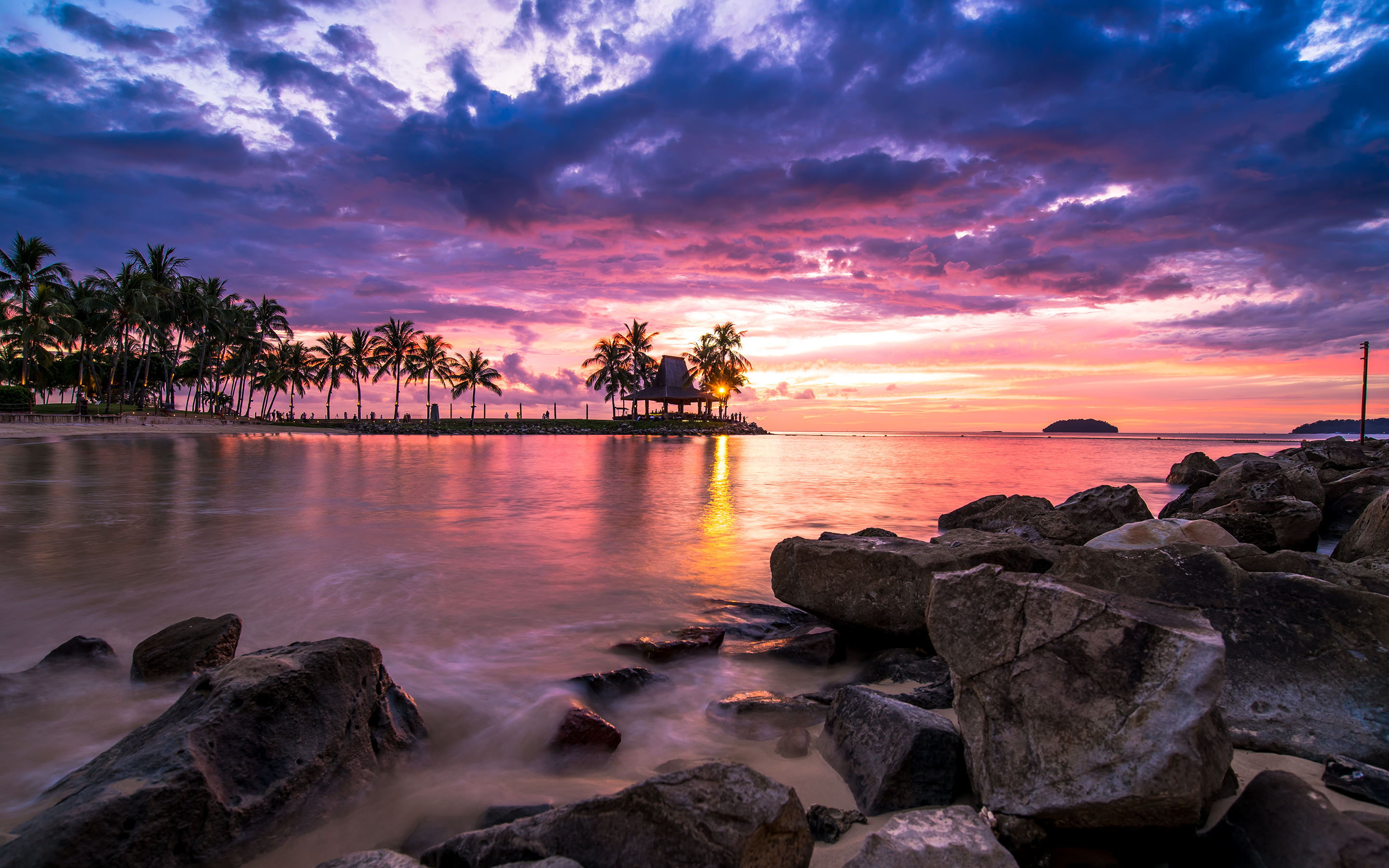 Ultra HD Beach Resort Sunset wallpaper