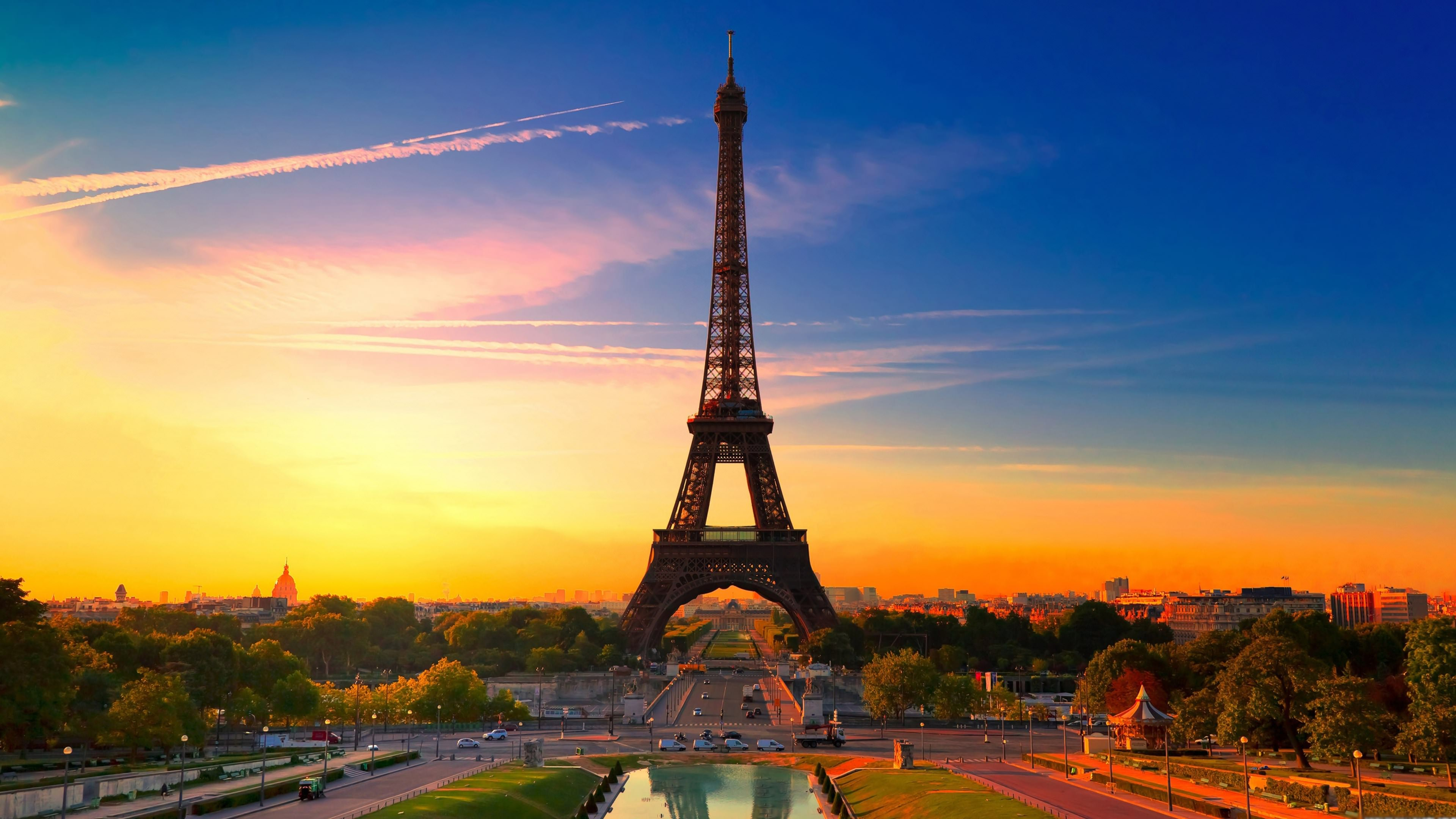 Ultra HD Eiffel Tower Wallpaper