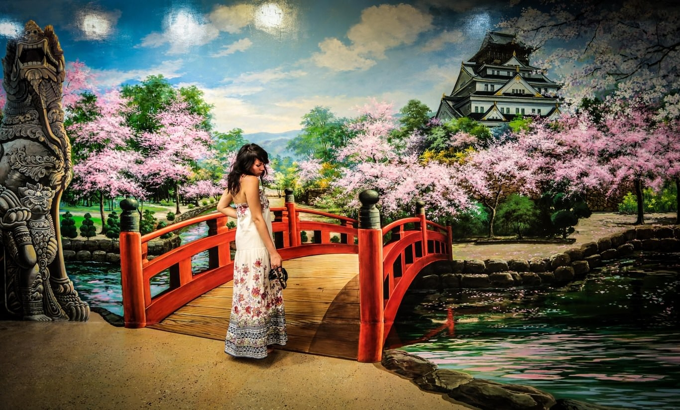 Walk Into Japan Artistic Wallpaper