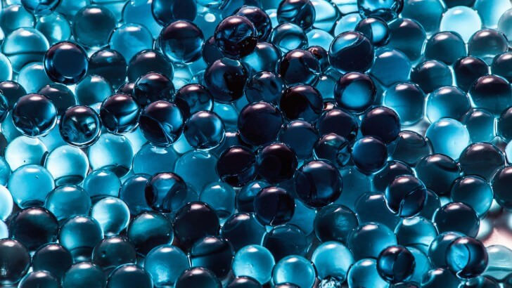 Abstract Water Beads Wallpaper