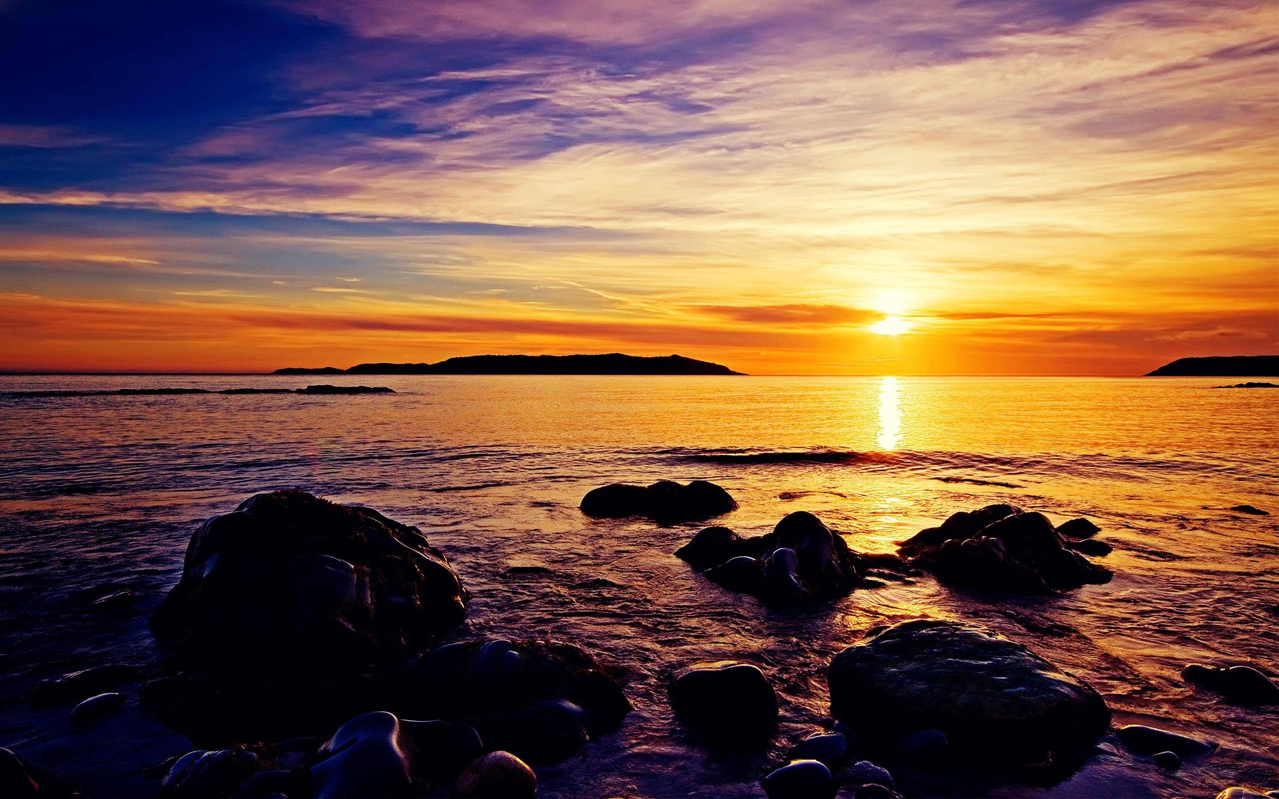 Amazing Sunrise at Beach Wallpaper