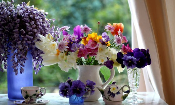 Awesome Flower Vase Wallpaper