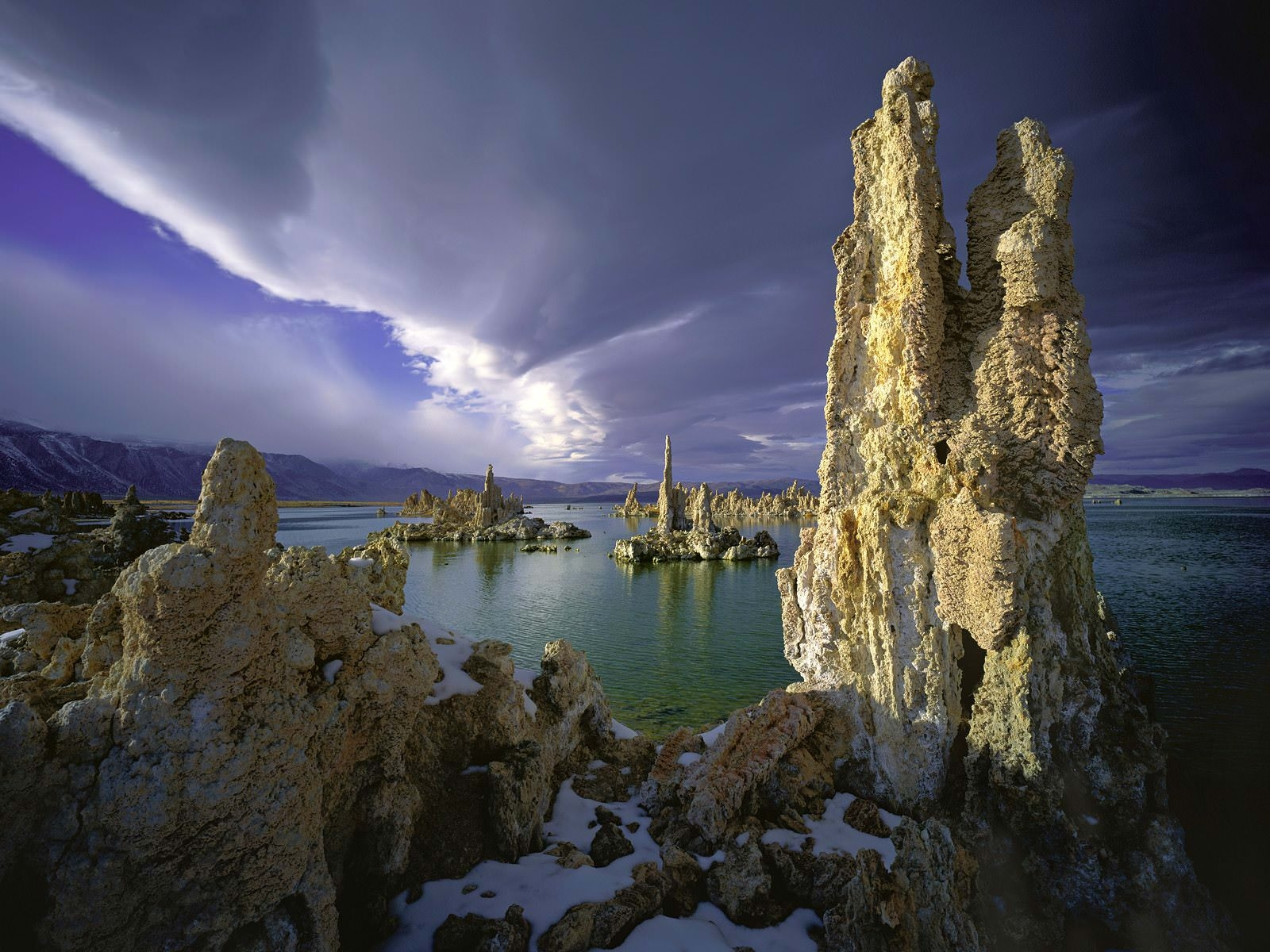 Awesome Mono Lake HD Wallpaper