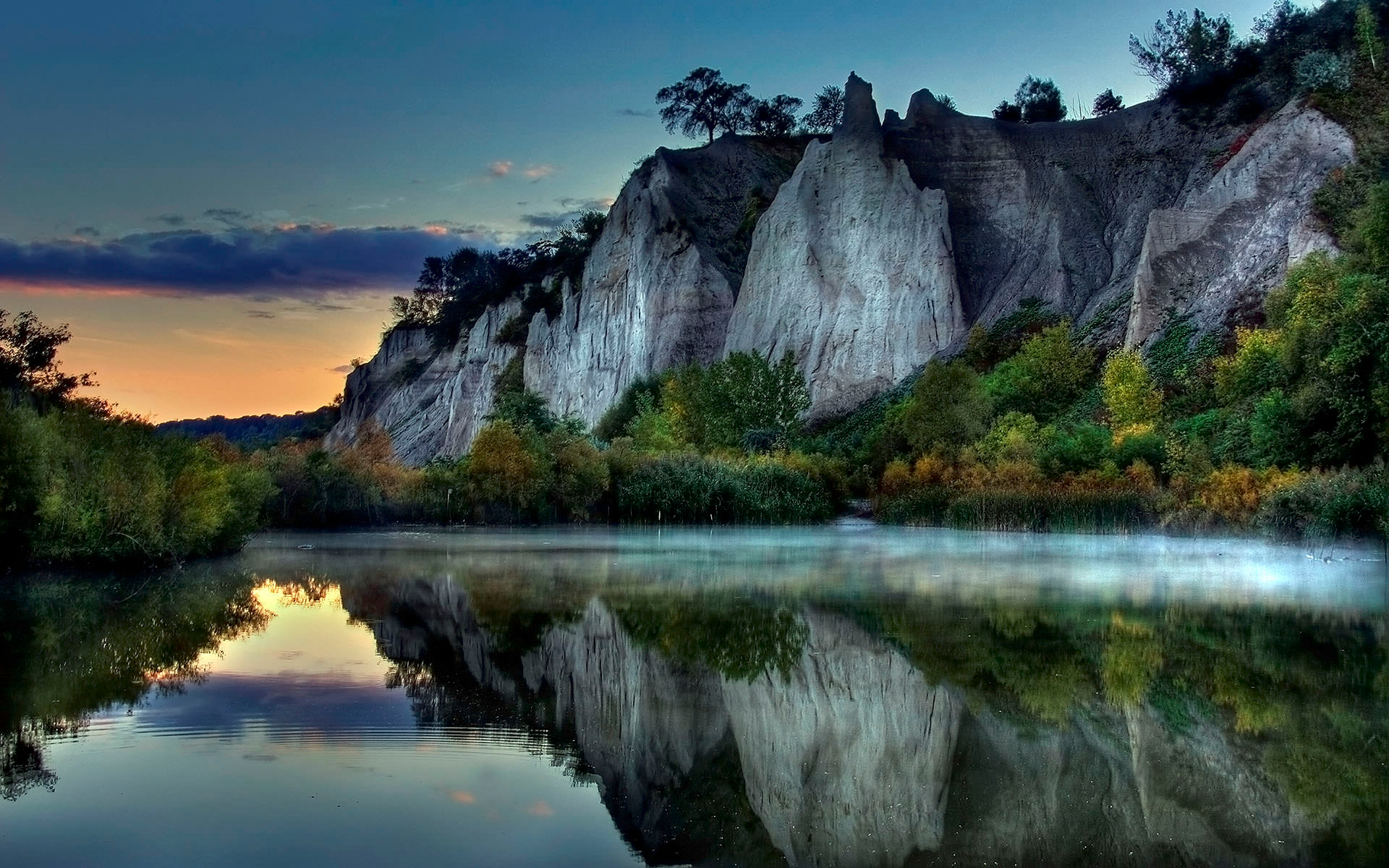 Awesome Mountain Reflection Wallpaper