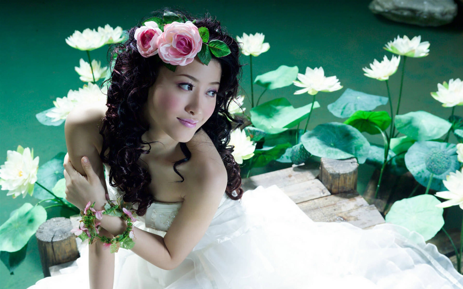 Beautiful Asian Girl Wallpaper