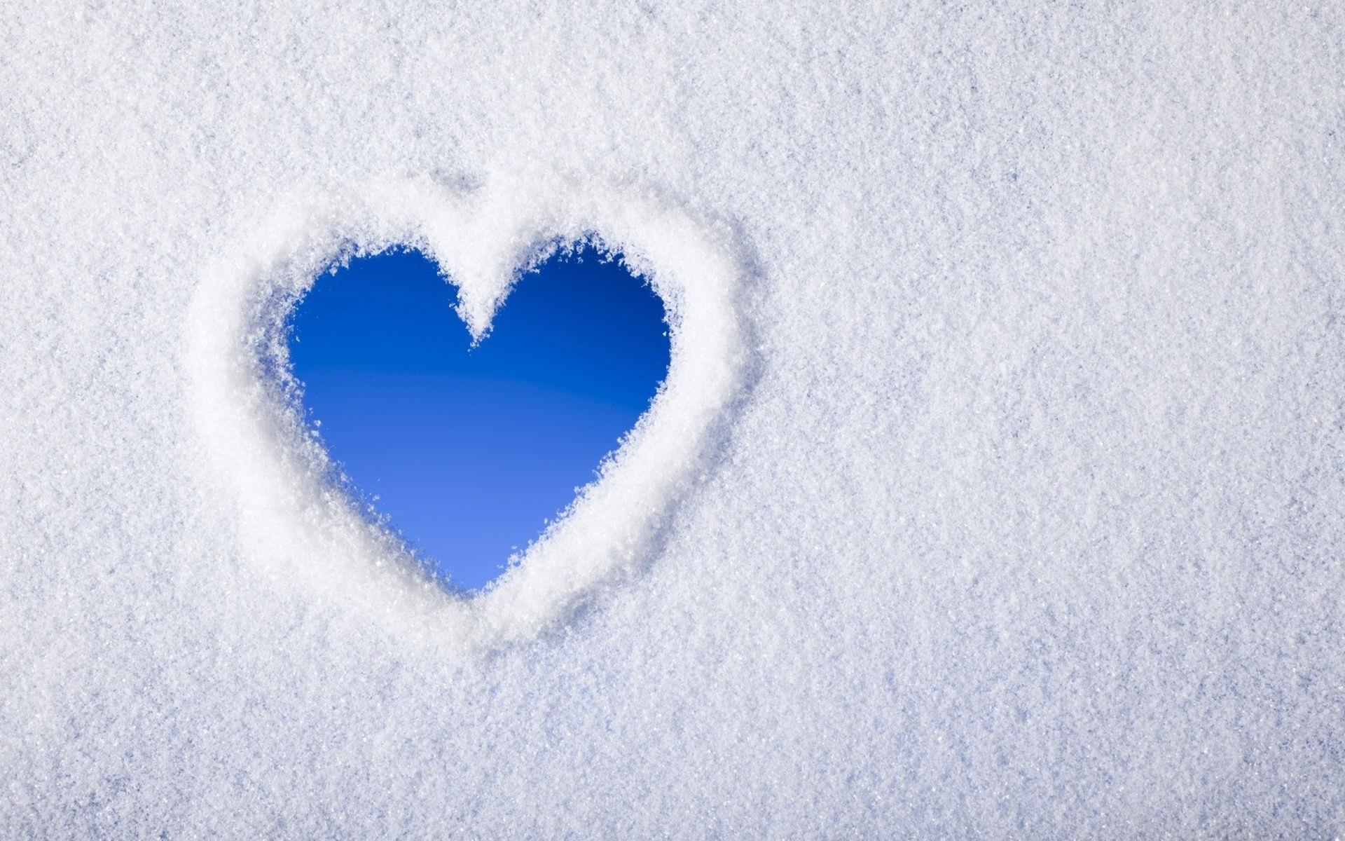 Blue Snow Heart  Wallpaper