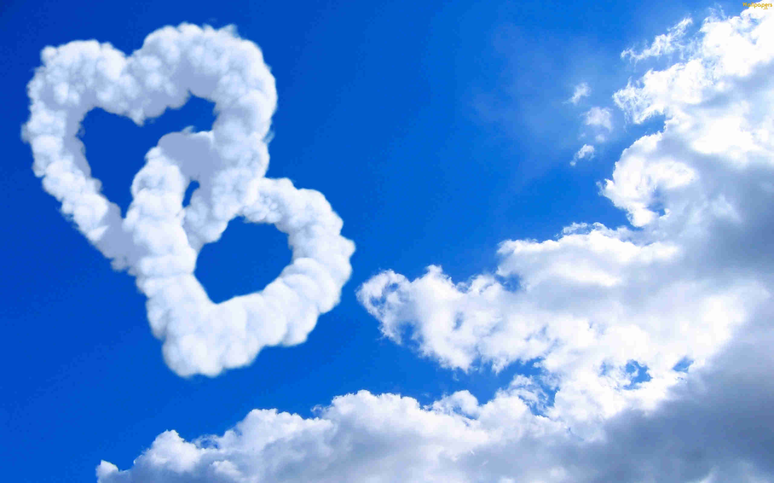 Cloud Of Love Background Wallpaper