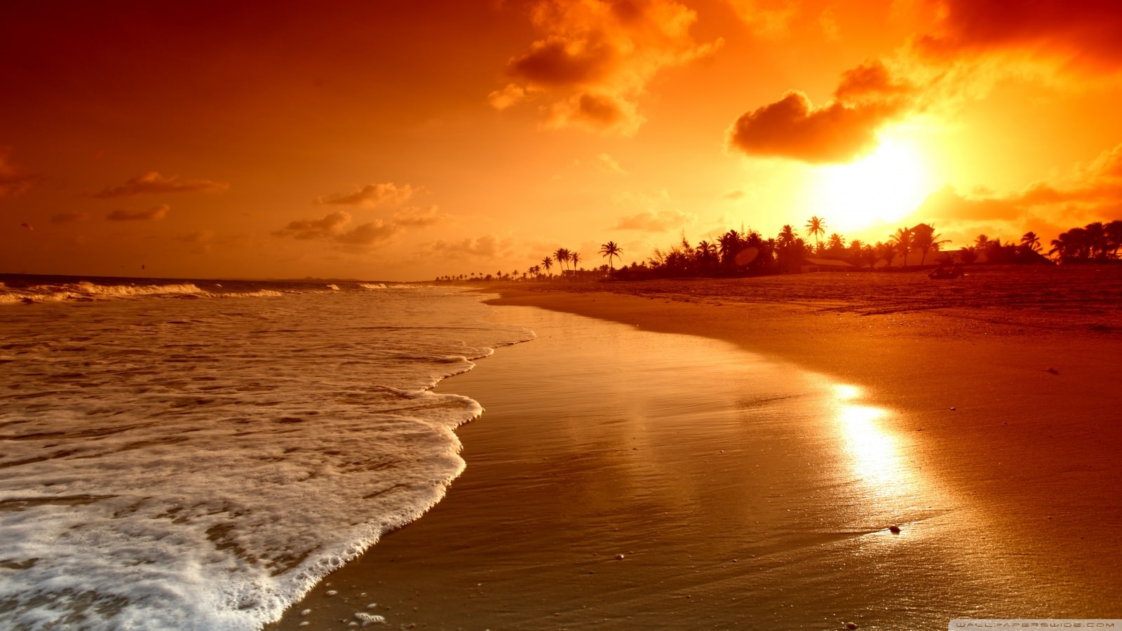 Cool Sunrise at Beach Wallpaper