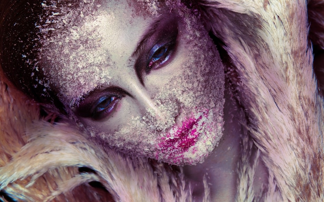 Frosty Fashion Makeup Wallpaper