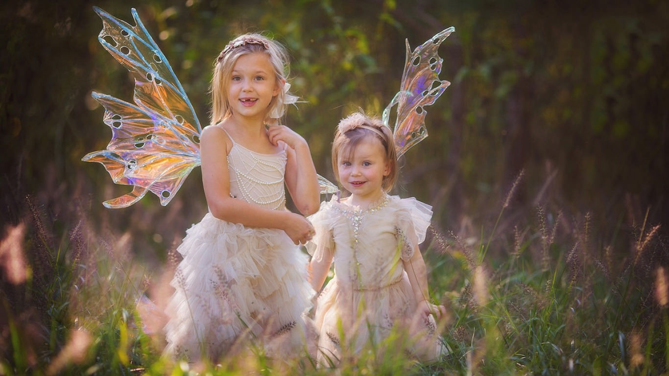 Little Girls Angel Wallpaper